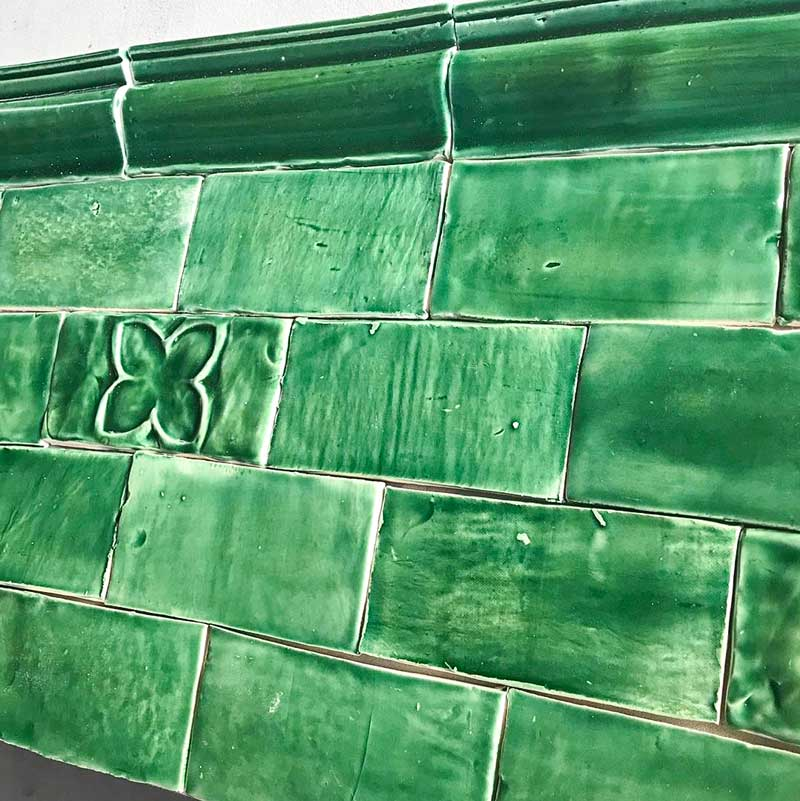 emerald green subway tile with border